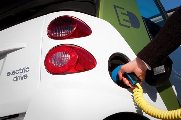 Recharge sur une prise domestrique Smart Electric Drive