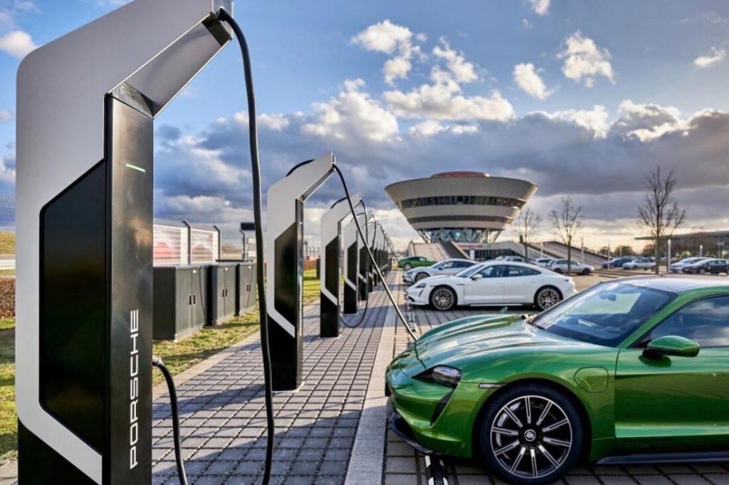 Porsche Taycan recharge